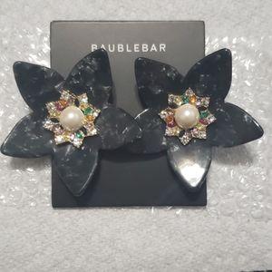 BaubleBar PE Amariah Flower Black Resin